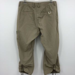 The North Face Women's 10 Khaki Capri Cargo Pants